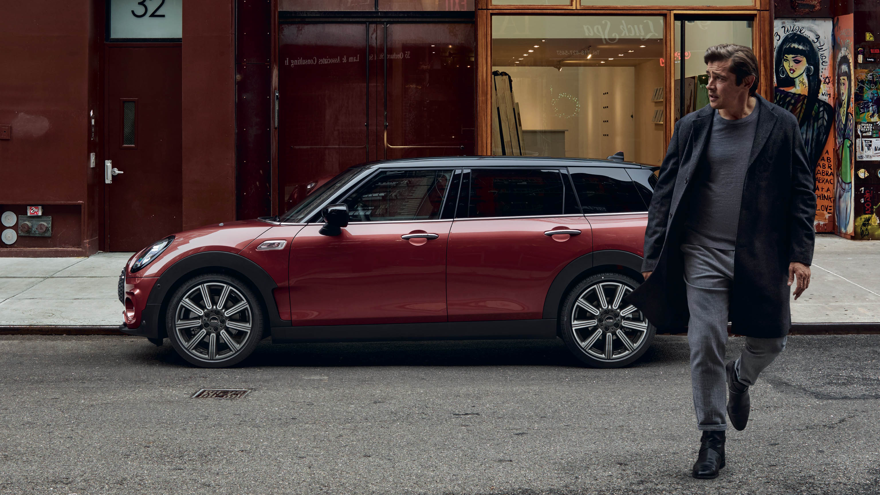 mini-clubman-gallery-side-view-wide